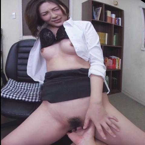 Getting a sloppy blowjob from your secretary