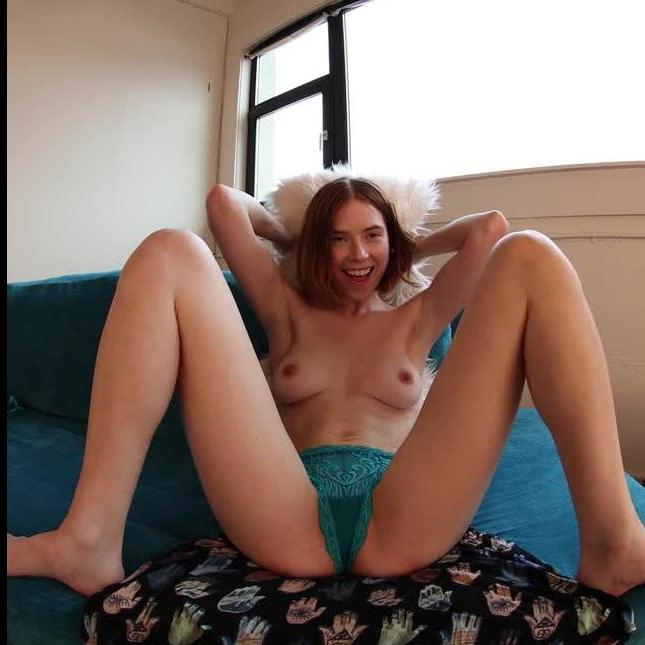 Sexy Redhead Shows It All