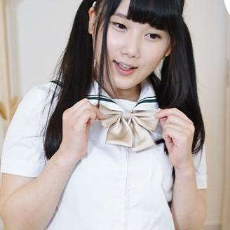 Japanese schoolgirl comes to wake you up