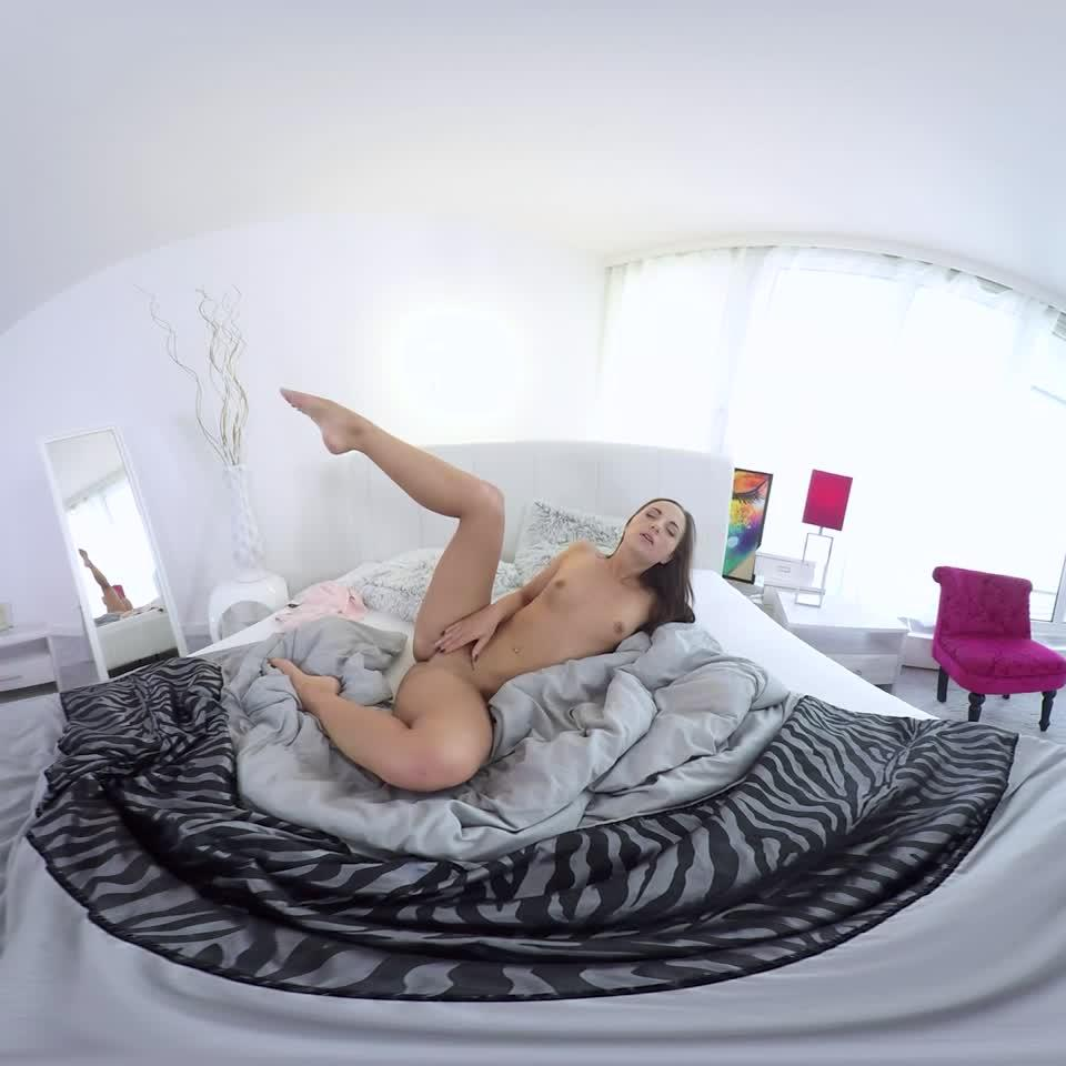 Sleeping Beauty Masturbation 180P VR Porn